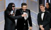 Golden Globes 2018: James Franco invita Tommy Wiseau sul palco, ma gli porta via il microfono!