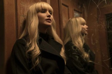 Red Sparrow: Jennifer Lawrence si fa in due