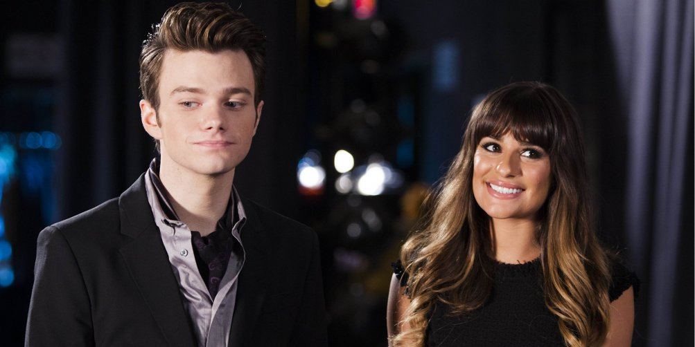 Glee: Chris Colfer e Lea Michele in una scena della serie