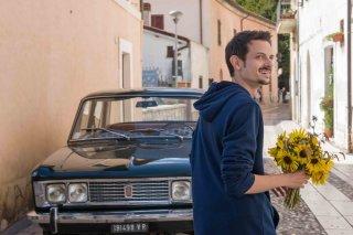 Il vegetale: Fabio Rovazzi in una scena del film