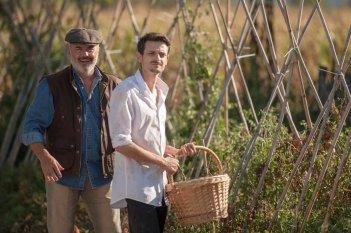 Il vegetale: Fabio Rovazzi e Luca Zingaretti in una scena del film