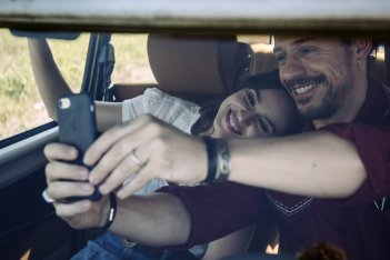 Made in Italy: Kasia Smutniak e Stefano Accorsi in un momento del film