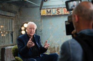 My Generation: Michael Caine intervistato sul set del documentario