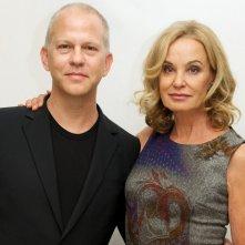 Ryan Murphy e Jessica Lange in un'immagine promozionale
