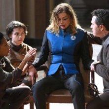 The Orville: Seth MacFarlane e Adrianne Palicki in una scena della prima stagione