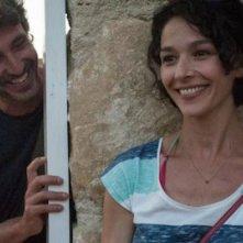Immaturi - La serie: Daniele Liotti e Nicole Grimaudo in una scena della fiction