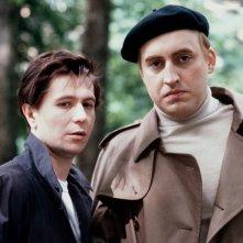 Prick Up - L'importanza di essere Joe: Gary Oldman e Alfred Molina in una scena del film