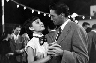 Vacanze romane: Audrey Hepburn e Gregory Peck in una scena del film