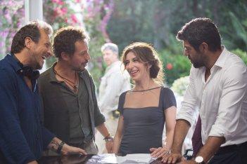 A casa tutti bene: Pierfrancesco Favino, Stefano Accorsi, Sabrina Impacciatore e Gabriele Muccino sul set del film