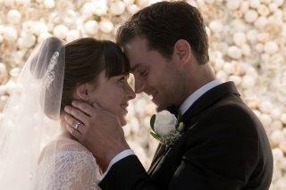 Cinquanta sfumature di rosso: Jamie Dornan e Dakota Johnson in una scena del film