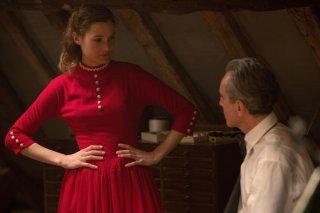 Il filo nascosto: Daniel Day-Lewis e Vicky Krieps in una scena del film