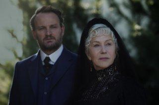 La vedova Winchester: Jason Clarke e Helen Mirren in una scena del film