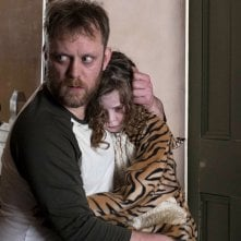 Slumber - Il demone del sonno: Honor Kneafsey e Sam Troughton in una scena del film