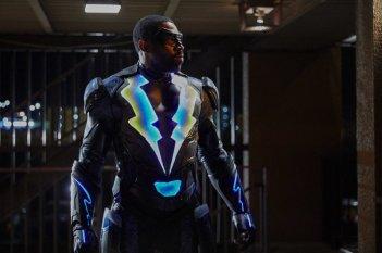 Black Lightning: in una scena della premiere con Cress Williams