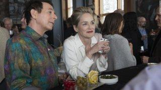 Mosaic: una scena della serie con Sharon Stone