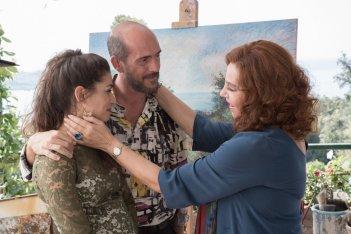 A casa tutti bene: Stefania Sandrelli, Gianmarco Tognazzi e Giulia Michelini in una scena del film