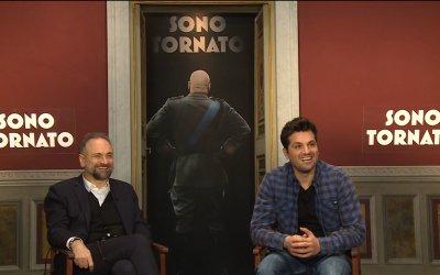 """Frank Matano su Sono tornato: """"Si può scherzare su tutto, purché la commedia sia intelligente"""""""
