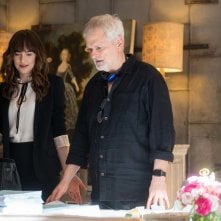 Cinquanta sfumature di rosso: Dakota Johnson e il regista James Foley sul set del film