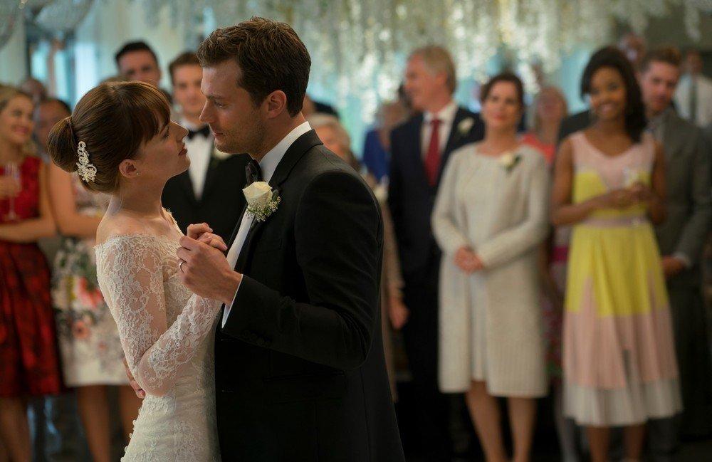 Cinquanta sfumature di rosso: Dakota Johnson e Jamie Dornan in un momento del film