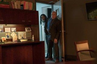 Il giustiziere della notte: Dean Norris e Kimberly Elise in una scena del film