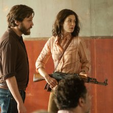 7 Days in Entebbe: Rosamund Pike e Daniel Brühl in un'immagine del film