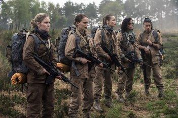 Annientamento: Natalie Portman, Jennifer Jason Leigh, Tuva Novotny, Gina Rodriguez, e Tessa Thompson in una scena