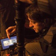 Black 47: il regista Lance Daly sul set del film