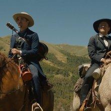 Damsel: Robert Pattinson e David Zellner in una scena del film