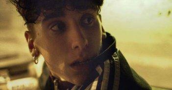 La terra dell'abbastanza: Andrea Carpenzano in una scena del film