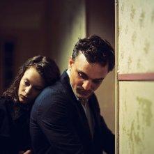 Transit: Paula Beer e Franz Rogowski in una scena del film