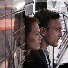 Transit: Paula Beer e Franz Rogowski in un momento del film
