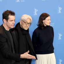 Berlino 2018: i giurati Adele Romanski, Tom Tykwer, Ryūichi Sakamoto