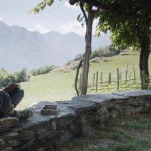 La terra buona: Viola Sartoretto in una scena del film