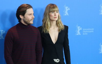 7 Days in Entebbe: Rosamund Pike e Daniel Bruhl terroristi a Berlino