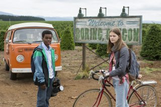 Everything Sucks!: Peyton Kennedy e Jahi Di'Allo Winston in una scena della serie