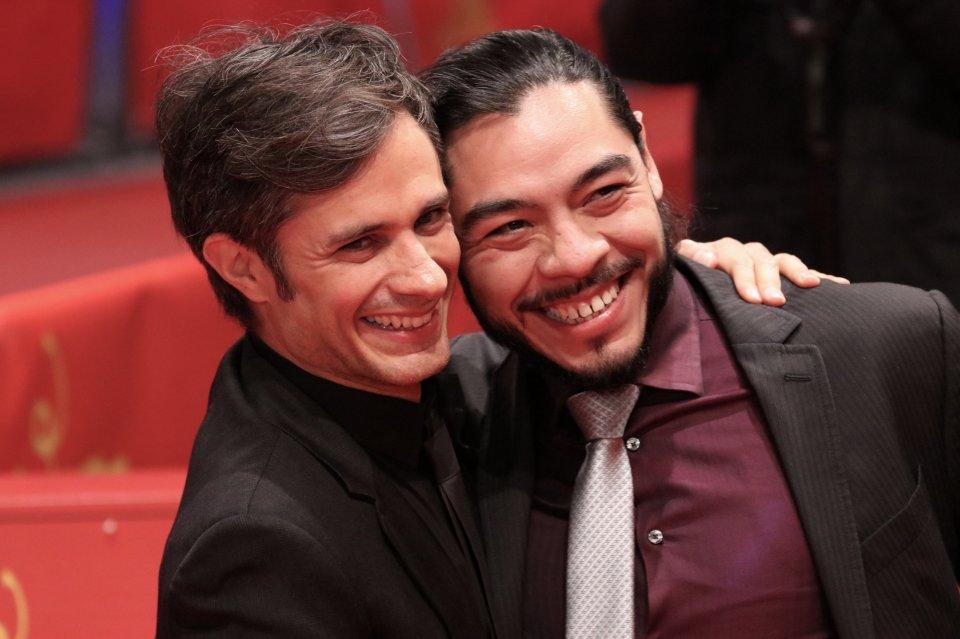 Berlino 2018: uno scatto di Alonso Ruizpalacios e Gael García Bernal sul red carpet di Museum