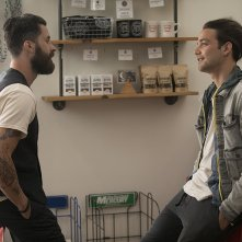 Here and Now: Andy Bean e Daniel Zovatto in una scena della serie