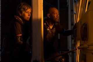 The Walking Dead: Lennie James e Melissa McBride in una scena dell'episodio Honor