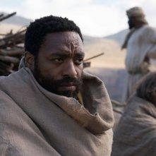Maria Maddalena: Chiwetel Ejiofor e Joaquin Phoenix in una scena del film