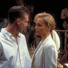 Il paziente inglese: Ralph Fiennes e Kristin Scott Thomas in una scena del film
