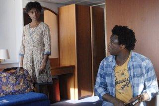 Contromano: Aude Legastelois e Alex Fondja in una scena del film