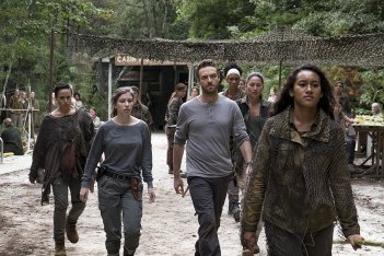 The Walking Dead: Briana Venskus, Ross Marquand, Nicole Barré, Sydney Park nell'episodio The Lost and the Plunderers