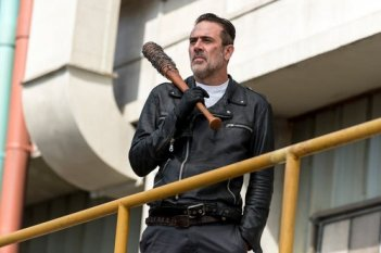 images/2018/03/05/8x10-the-lost-and-the-plunderers-negan-the-walking-dead-41111241-500-333.jpg
