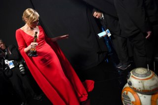 Oscar 2018: Allison Janney con la statuetta vinta per Tonya