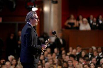 Oscar 2018: Gary Oldman con il premio per L'ora più buia