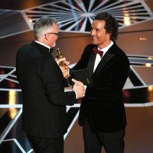 Oscar 2018: Matthew McConaughey e Lee Smith sul palco