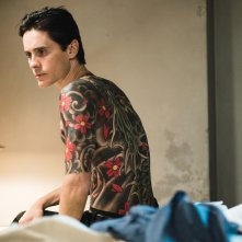 The Outsider: Jared Leto mostra il corpo tatuato
