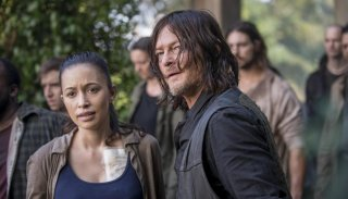 "The Walking Dead: Norman Reedus in un momento dell'episodio ""Dead or Alive Or"""