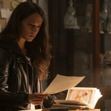 Tomb Raider: Alicia Vikander in un momento del film