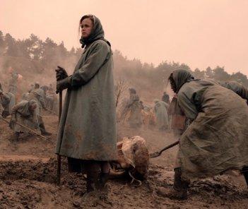 The Handmaid's Tale: primo sguardo ad Alexis Bledel nella stagione 2